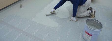 屋上防水改修工事(平場用防水材塗布)
