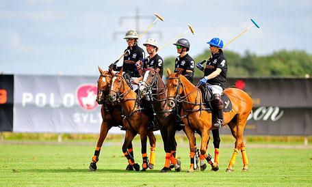 In Anbetracht der Verbundenheit zu Sylt freut sich ANCRAGE ganz besonders in diesem Jahr erstmalig als Charity Partner bei den Berenberg German Polo Masters dabei zu sein.