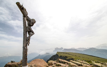 Bergurlaub mit Hund, Wandern mit Hund, Raschötz, Wandern in den Dolomiten, Gipfel Ausserraschötz