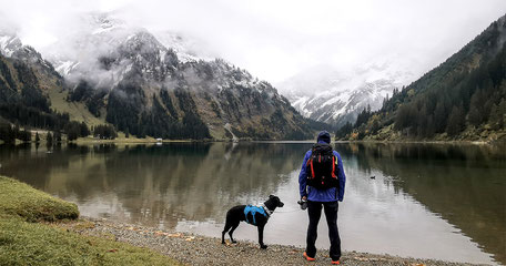 Wandern mit Hund, Urlaub mit Hund, Bergurlaub mit Hund, Tirol, Tannheimer Tal, Vilsalpsee