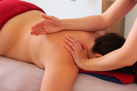 Lomi lomi Massage bei maximum care cosmetics, Zürich, Zürich Nord