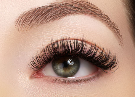 Wimpern Lifting mit Hot Wave Lash Lifting, bei Wimpernstylistin Carina in Aarau