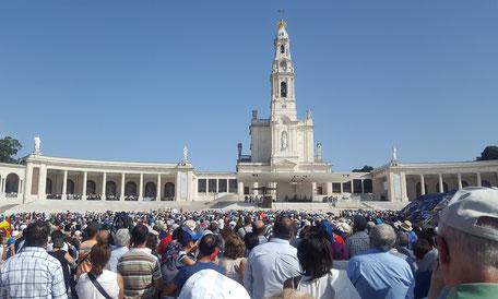 Fatima großer Platz Basilika Heilige Messe Cova da Iria
