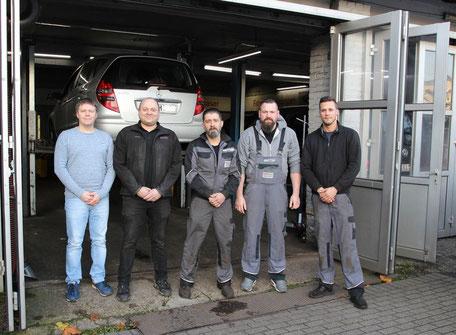 Das Team von Autotechnik Butt in Duisburg-Rheinhausen