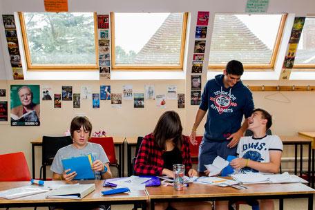 jeunes en cours de langue en séjour linguistique à l'étranger