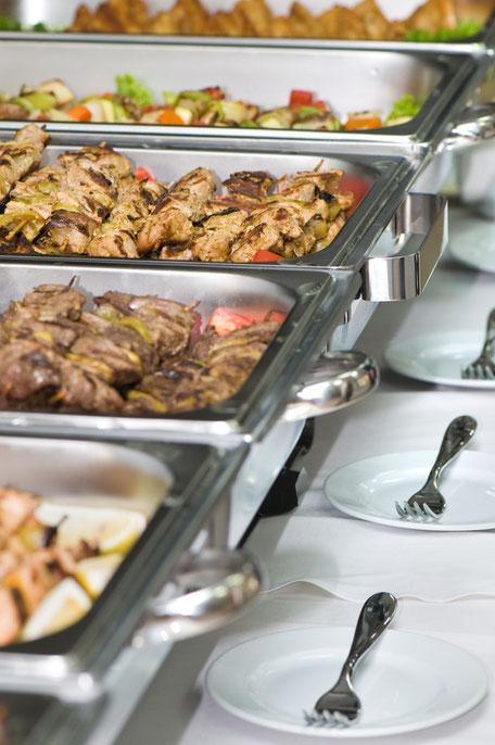 Winterbarbecue als Grillbuffet für Ihre Weihnachtsfeier
