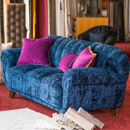 Büschking Polstern Sofa klassisch modern geschnürte Federn
