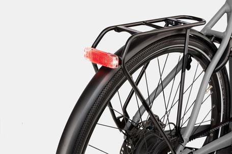Das Roadster wird dank der Suntour NCX Federgabel zum idealen Urban-Bike.