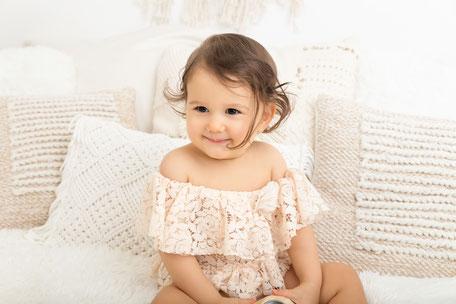 Photos style bohème photographe bébé Var à Sainte-Maxime, Fréjus, Toulon dans le Golfe de St-Tropez