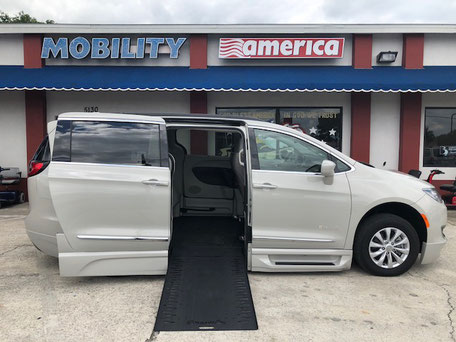 2017 Chrysler Pacifica Wheelchair Vans