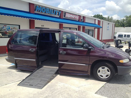 1998 Dodge Grand Caravan Mobility Van