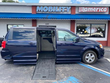 2012 Dodge Grand Caravan Wheelchair Van