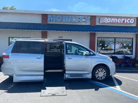 2020 Toyota Sienna Wheelchair Vans