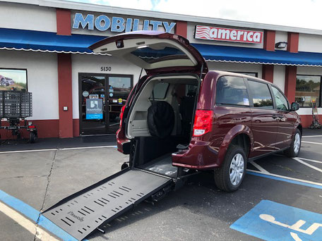 2019 Dodge Grand Caravan Wheelchair Van