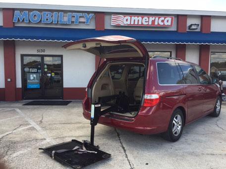 2006 Honda Odyssey Wheelchair Van