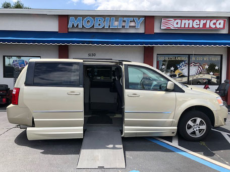 2010 Dodge Grand Caravan Wheelchair Van