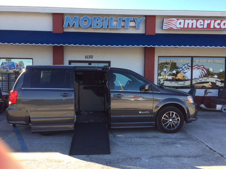 2017 Dodge Grand Caravan Wheelchair Van