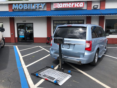 2010 Chrysler Wheelchair Vans