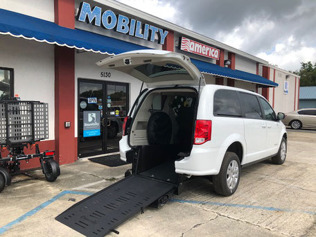2018 Dodge Grand Caravan Wheelchair Van