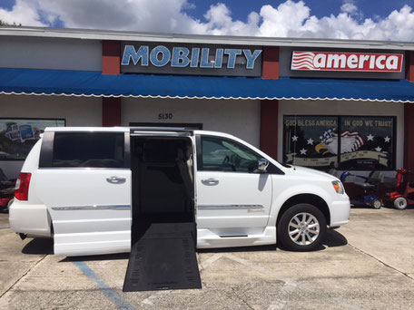 2016 Chrysler Wheelchair Vans