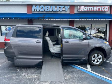 2018 Toyota Sienna Wheelchair Van