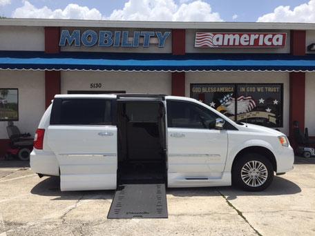 2015 Chrysler Wheelchair Vans