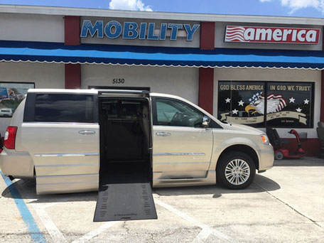 2014 Chrysler Wheelchair Vans