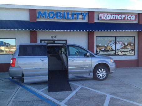 2015 Chrysler Wheelchair Vans