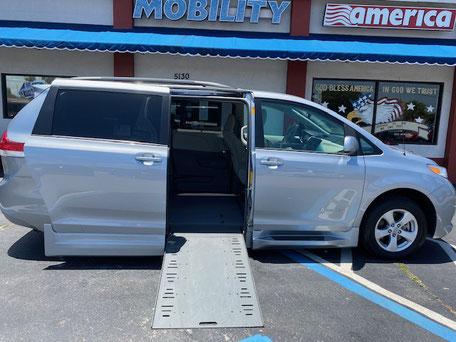 2013 Toyota Sienna Wheelchair Van