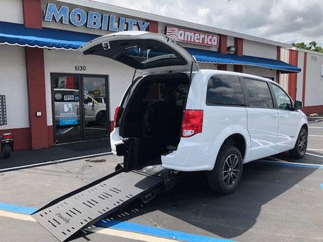 2018 Dodge Grand Caravan Wheelchair Van