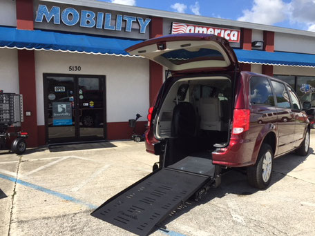 2017 Dodge Grand Caravan Wheelchair Van