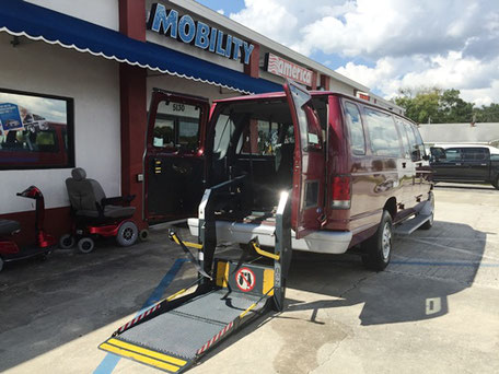 1995 Ford E350 with Ricon Power Ramp
