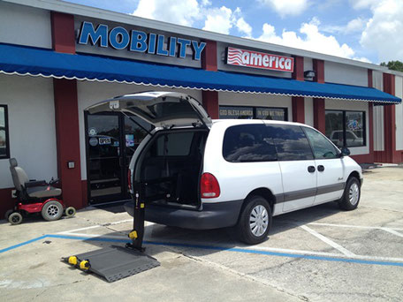 1998 Chrysler Voyager With Rear Ramp Lift
