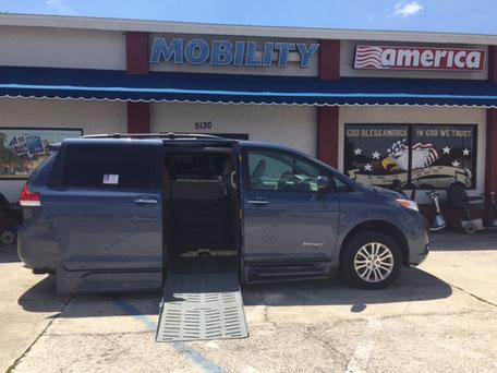 2014 Toyota Sienna Wheelchair Van