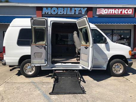 2004 Ford Wheelchair Van