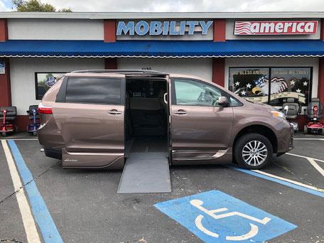 2019 Toyota Sienna Wheelchair Van