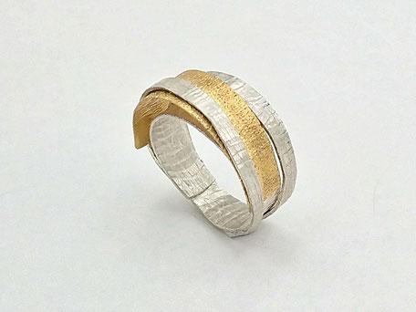18 kt Gelbgold, Sterlingsilber, Ring 'Simply elegant' von Heike Wanner