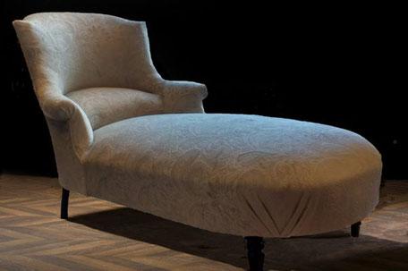 Chaise longue ou méridienne à bosse rénovée par l'atelier de Sylvie