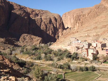 アトラス山ふもとにある小さな村。こんな景色が私は大好き♡