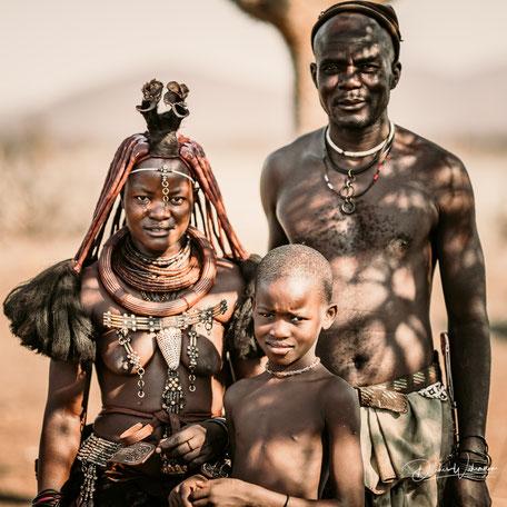 familienfoto himba, epupa kaokoveld namibia