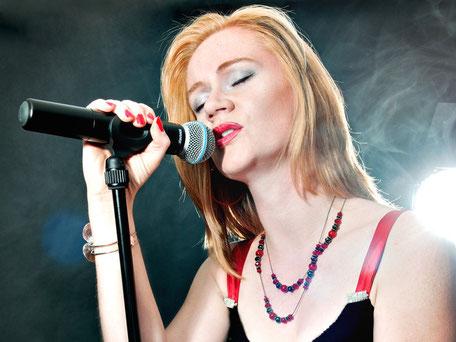 Sibylle Mantau - Sängerin & Singing DJane