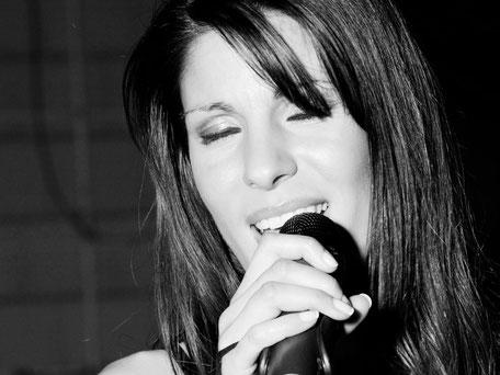 Andreja Marusic - Sängerin, Moderatorin & Model