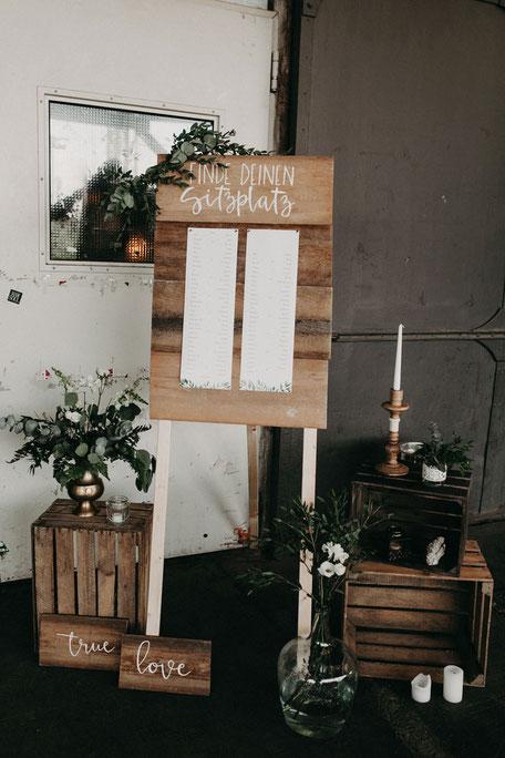 Sitzplan-Holz Lettering Hochzeit