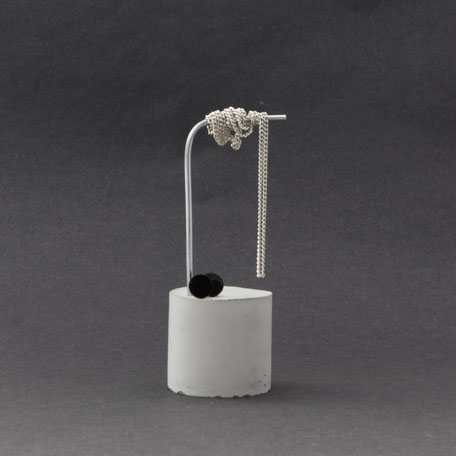 Concrete Cylinder Wire PASiNGA Stud Earring Stand
