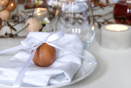 Modern Minimal Easter Place Setting Inspiration