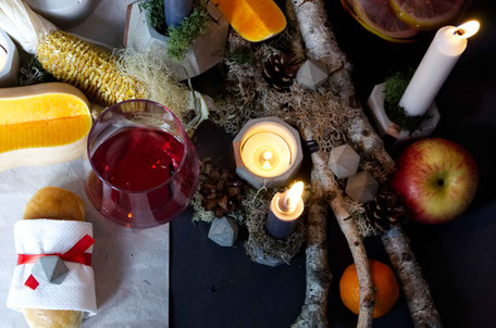 Autumn Feast Centrepiece Inspiration, A tables cape design with concrete copper accents