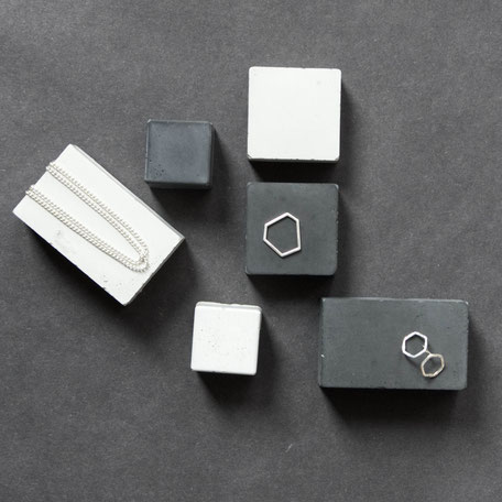 Concrete Prism Mix PASiNGA Geometric Jewellery Displays
