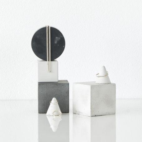Monochrome Geometric Concrete PASiNGA Display