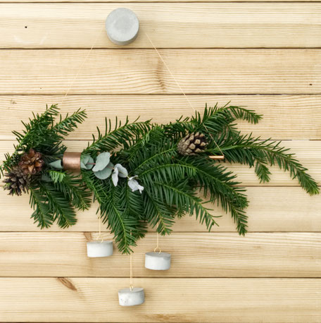 Simple Geometric Concrete Copper Fir Wreath by PASiNGA diys