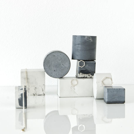 Unique Monochrome Marble Concrete Jewellery Display PASiNGA Prop Set
